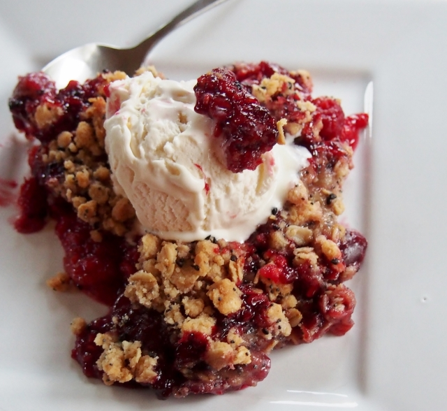 Fruit Crisp with Ice-Cream